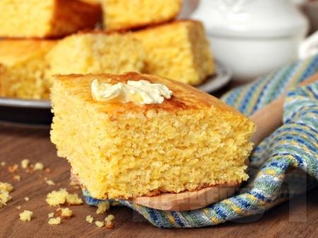 Лесен и пухкав лимонов кекс с кисело мляко - снимка на рецептата